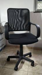 Cadeira De Escritório Giratória Executiva Ergonômi-semi.nova