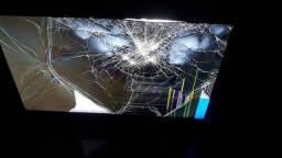 Título do anúncio: TV/MONITOR de 24 polegadas quebrada