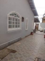 Casa 5/4 sendo 1 suíte, área gourmet,  próx. portaria do Mirante da Lagoa