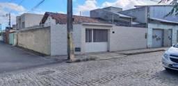 Vende Casa Bem Localizada na Urbis I