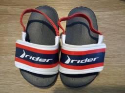 Título do anúncio: Lote de calçados primavera/verão - sandálias e chinelos