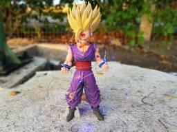 Estátua Gohan Dragon Ball Z