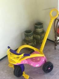 Triciclo pouquíssimo usado !!