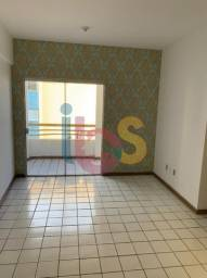 Alugo Apartamento 2/4, Localizado na Avenida Amelia Amado