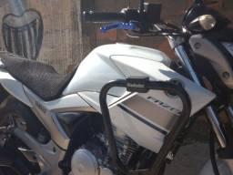 Fazer 250 cc 2014 troco