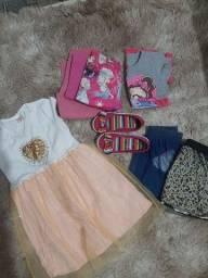 Título do anúncio: Lotinho de roupas menina 2/3 anos
