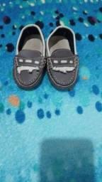 Sandalias e sapatinhos de bebé tamanho varios