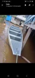 Vende se está canoa