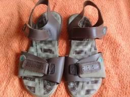 Sandália kidy n33 R$ 30