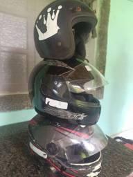 3 capacetes por 120$