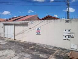 Título do anúncio: Imóvel com 2 residenciais individuais, prox ao terminal das bandeiras.