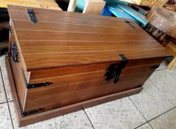 Baú madeira maciça