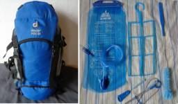 Mochila Ataque Deuter 30l + Hidro 3l + Kit De Higiene