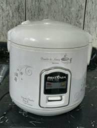 Panela de arroz elétrica Britânia