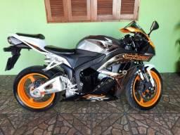 Moto CBR 600 RR - 2011