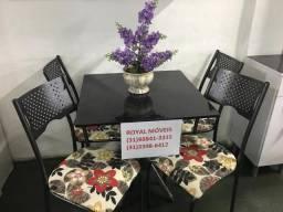 Lindo jogo de mesa tampo de pedra com 04 cadeiras nova direto de fabrica pra sua casa