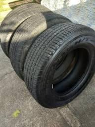 Três pneus 255/65 R 17