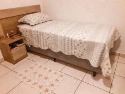 Cama Box Solteiro, c/ Colchão, Cabeceira e mesa de cabeceira