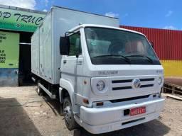 Caminhão 8-150-2008 com Bau