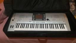 Vendo teclado prs 710 da Yamaha por 2400