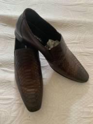 Vende-se Sapato Democrata