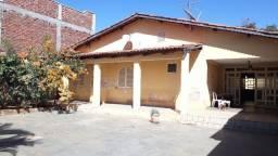 Casa com 450m² com Ótima localização Vila Jardim Vitoria