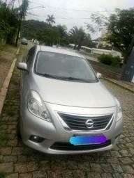 Nissan Versa SV 1.6 2014