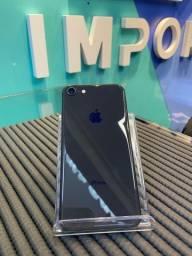 iPhone 8 64GB Preto - Seminovo (3 meses de garantia da loja)