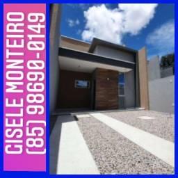 Casa com fachada moderna espaçosa  para toda a sua família vem conhecer.