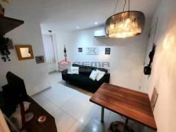 Quarto suíte, sala, cozinha todo reformado em Copacabana