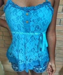 Blusa rendada azul