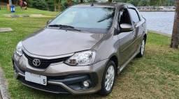 Toyota Etios Sedan 2018 XLS cinza TOP de linha