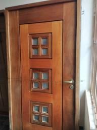 Porta de madeira maciça de 2,10 x 1,00