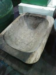 Gamela antigo de madeira