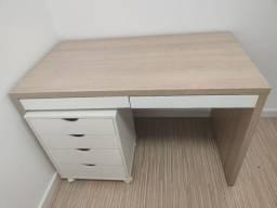 Mesa com gaveteiro