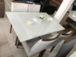 Título do anúncio: Mesa com vidro e 4 cadeiras de madeira de eucalipto