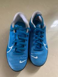 Chuteira Nike Gabigol tam. 32 - pouco uso.