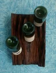 Garrafeiros, suporte de garrafa e taças feitos com dormente de trem