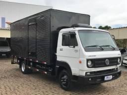 VW 8.160 DRC Baú 4X2 2013