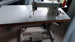 >>>Vendo Máquina de costura reta industrial. Barateza!!!<<<