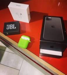 Iphone 11 pro max 256 giga fone apple tudo novo com garantia e com uma caixa da jbl .