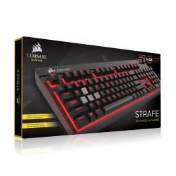 Título do anúncio: Teclado mecânico Corsair Strafe Mechanical Gaming Keyboard - Cherry MX Red (US Layout)