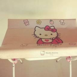 Banheira com trocador da Hello Kitty, marca Hércules.