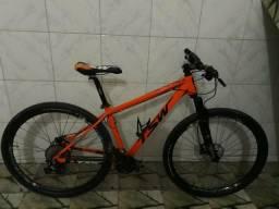 Bicicleta TSW nova, em perfeito estado 04 meses de uso