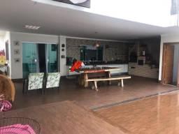 Casa de luxo no bairro Esperança com 03 suítes, área gourmet top