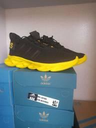 Tênis Adidas novos