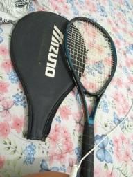 Vendo raquete original da mizuno por 100 reais