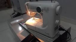 Máquina de costura caseador automático 4 pontos  nova nunca foi usada 950reais