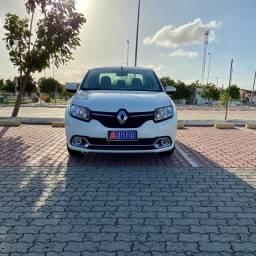 Renault Logan Expression 2015 1.6