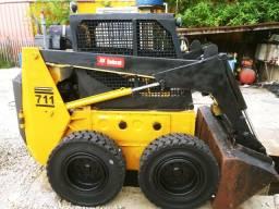 Mini-Carregadeira BobCat 711 Ano 2011